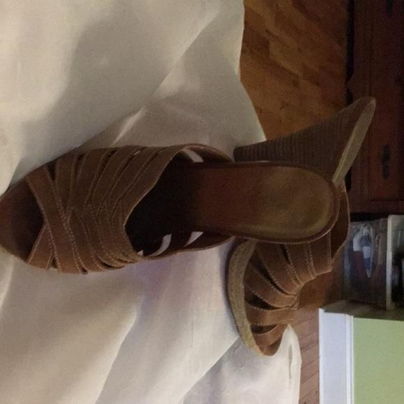Fergie tan/brown pumps size 8.5
